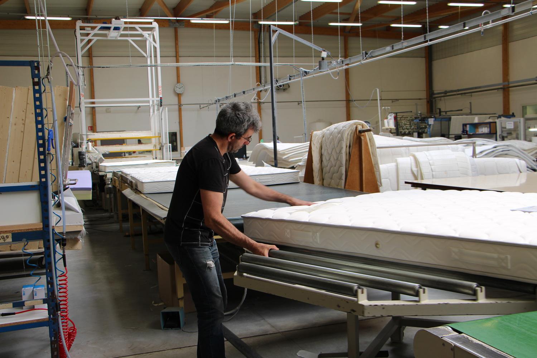 Ouvrier Michel usine de matelas